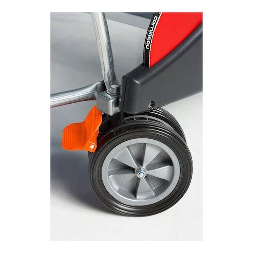 Imágen del sistema de ruedas y frenos de la mesa de ping pong CORNILLEAU Sport 500 Indoor