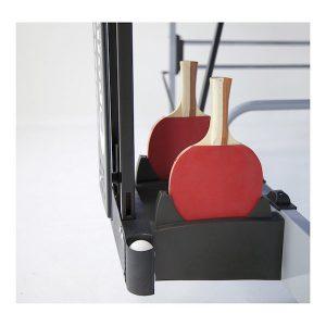 Imagen del compartimento para guardar las raquetas y pelotas en la Garlando Challenge indoor guarda