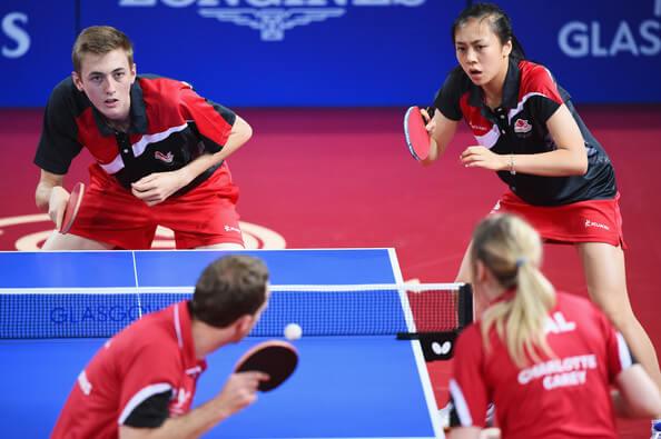 Partido de dobles de tenis de mesa, reglas de ping pong saque